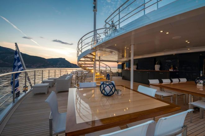 Serenity-yacht-for-charter (12)