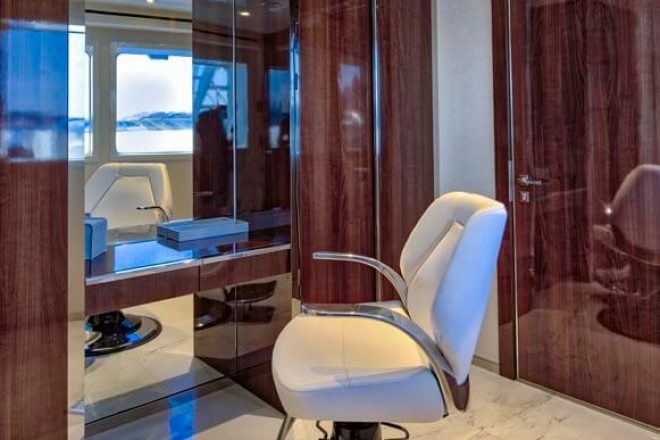 Serenity-yacht-for-charter (23)