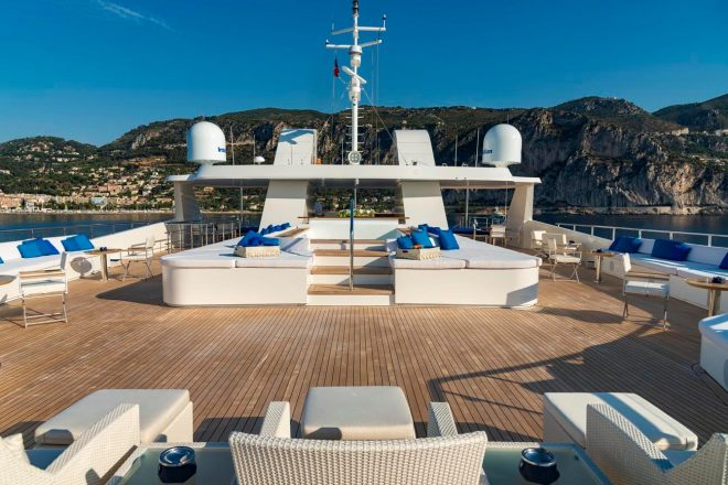 Serenity-yacht-for-charter (4)